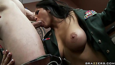 Jenaveve Jolie blowing cock of regular soldier