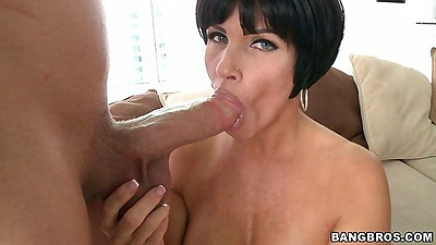 Brunette milf gorgeous babe Shay Fox blowjob