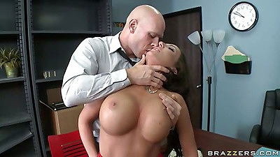Richelle making out with her boss as fuck