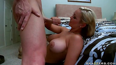 Eating fresh milf pussy up her dress
