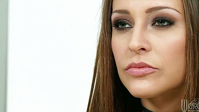 Babe Gracie Glam in leather blowing dick running mascara