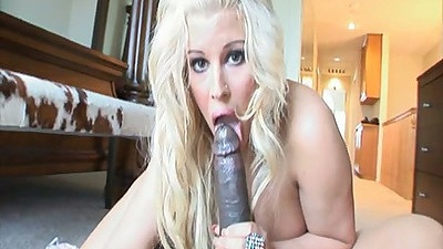 Blowjob from milf Julie Cash and reverse cowgirl with big ass anal fuck