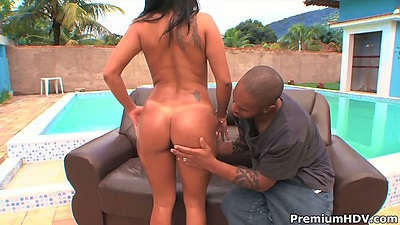 Latina Camily gets licked outdoors and sits on face