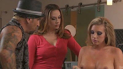 Chanel Preston and Samantha Saint group living room sex