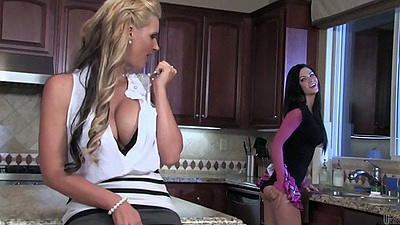 Kitchen lesbian babes Phoenix Marie and Kendall Karson