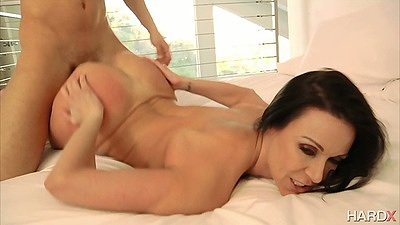 Doggy style milf Kendra Lust gets penetrated